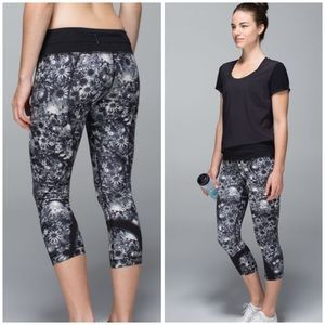 Lululemon floral run inspire crop leggings sz 4